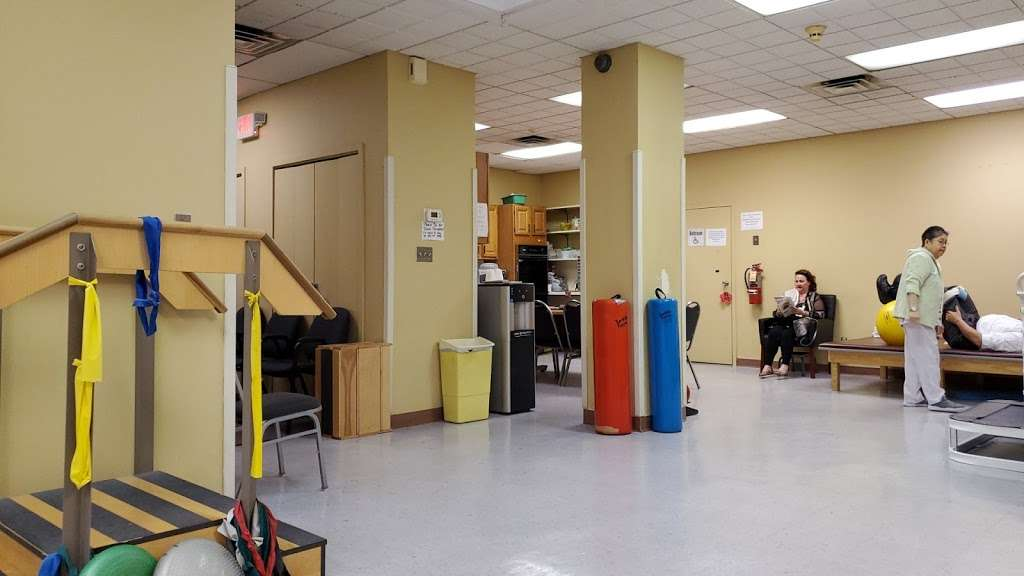 Strulowitz & Gargiulo - physiotherapist  | Photo 1 of 3 | Address: 115 W 42nd St, Bayonne, NJ 07002, USA | Phone: (201) 243-6662