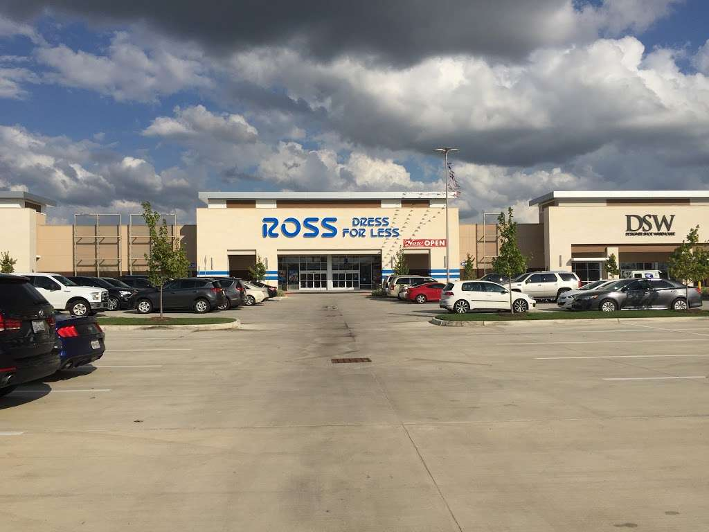 Ross Dress for Less - clothing store  | Photo 3 of 10 | Address: 6545 Spring Stuebner Rd, Spring, TX 77379, USA | Phone: (281) 370-0389