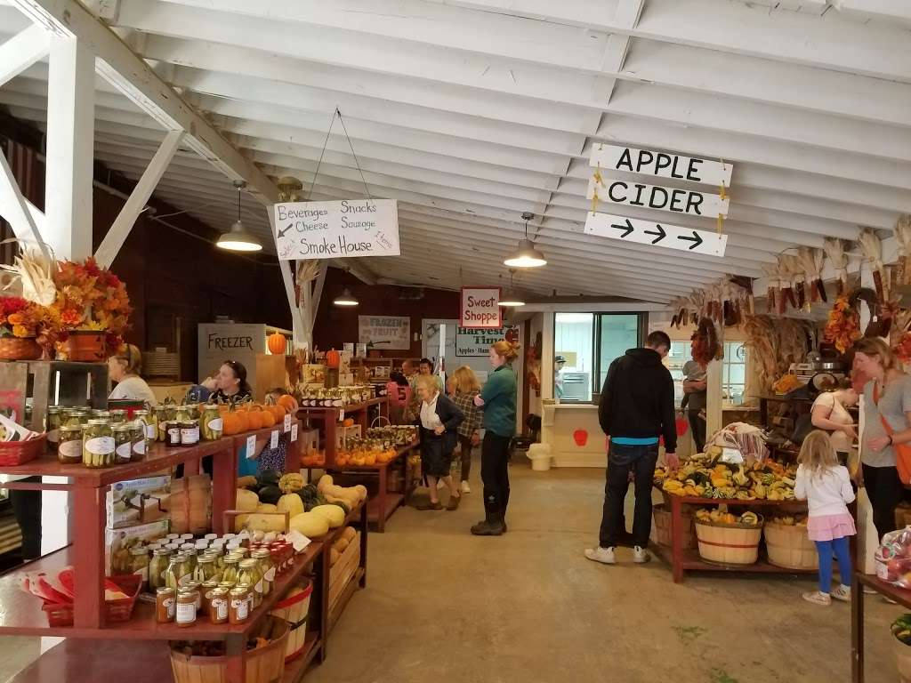 Harvest Time Orchards - bakery    Photo 2 of 10   Address: 36116 128th St, Twin Lakes, WI 53181, USA   Phone: (262) 877-4831