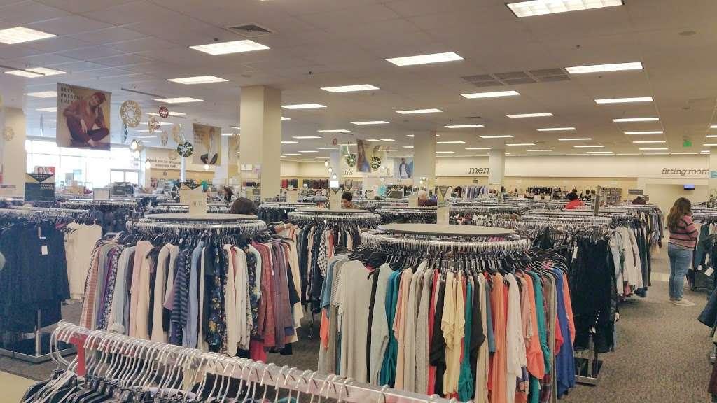 Nordstrom Rack South Bay MarketPlace - clothing store  | Photo 2 of 10 | Address: 1517 Hawthorne Blvd, Redondo Beach, CA 90278, USA | Phone: (424) 254-2448