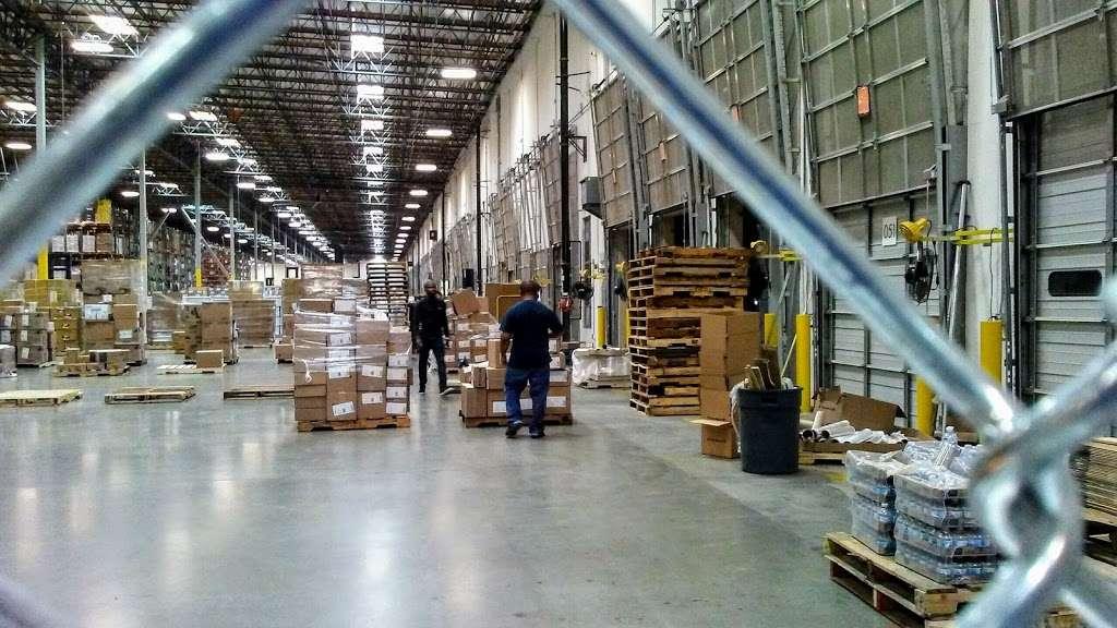 Essendant - Perris Distribution Center - storage    Photo 3 of 9   Address: 4555 Redlands Ave, Perris, CA 92571, USA   Phone: (951) 436-3999