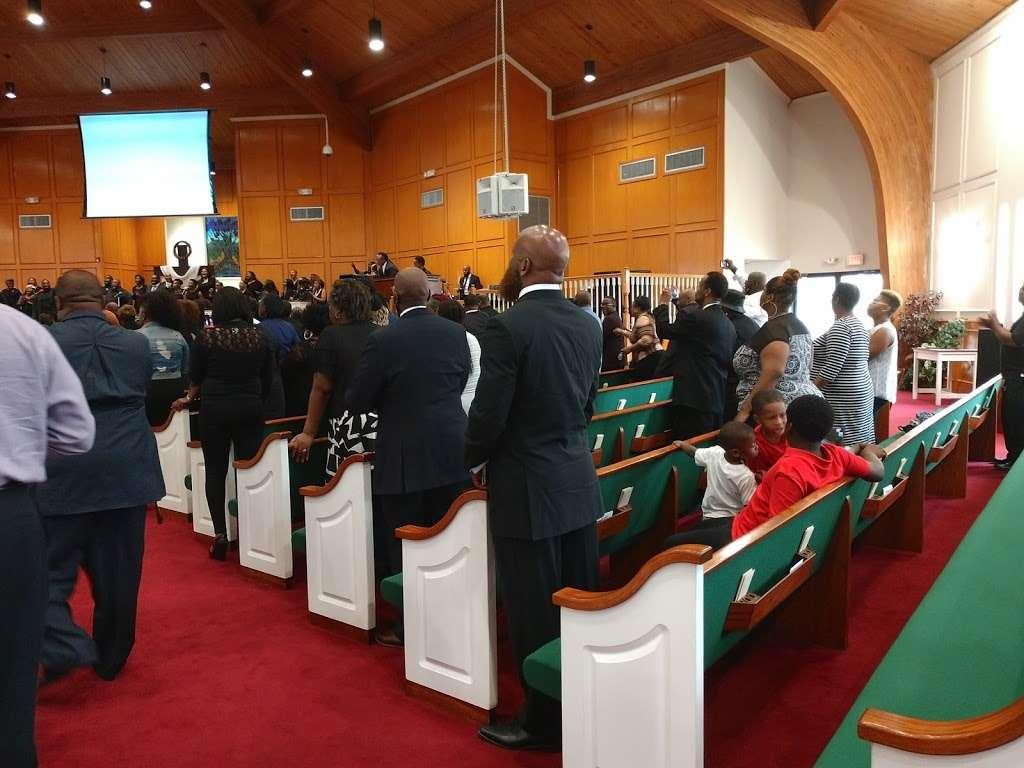 New Mt Calvary Baptist Church - church  | Photo 1 of 10 | Address: 4711 Kelley St, Houston, TX 77026, USA | Phone: (713) 635-1955