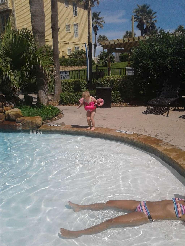 Dawn Beach Condominiums - real estate agency  | Photo 1 of 10 | Address: 7000 Seawall Blvd, Galveston, TX 77551, USA | Phone: (888) 532-9623
