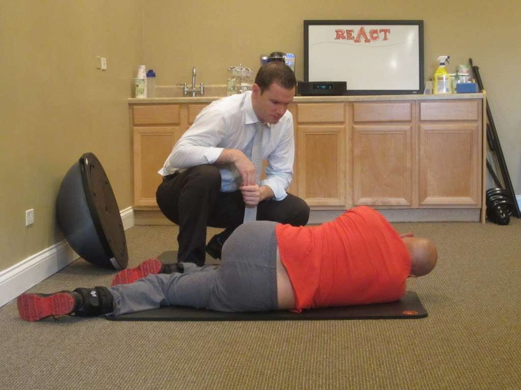React Spine and Sports Institute - health  | Photo 5 of 10 | Address: 1824 Johns Dr, Glenview, IL 60025, USA | Phone: (224) 432-5276
