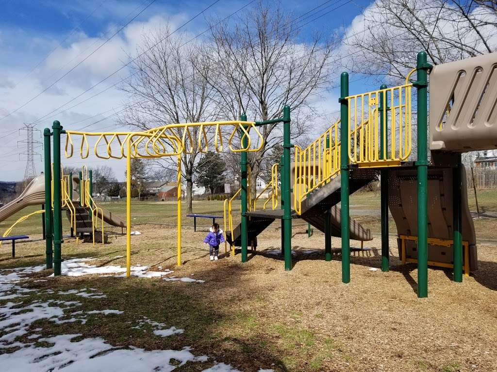 Fisher Field - park  | Photo 2 of 10 | Address: 97 6th St, North Arlington, NJ 07031, USA