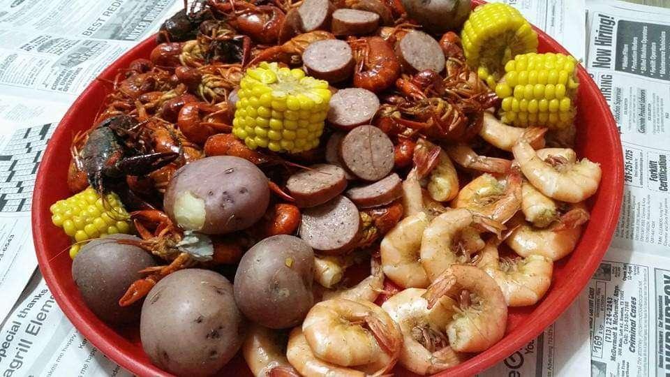 The Best In Town - restaurant  | Photo 3 of 10 | Address: 9606 Creek Vista Ln, Willis, TX 77378, USA | Phone: (936) 442-8931