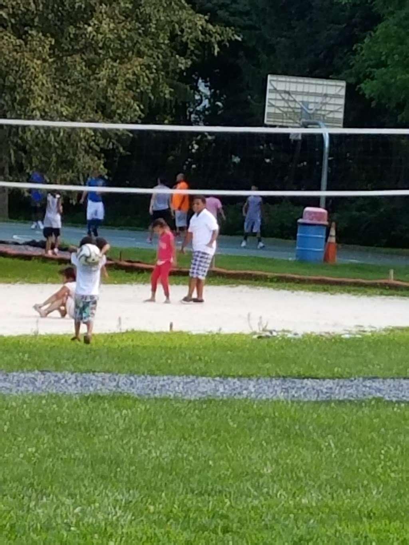 Lindberg Park - park  | Photo 5 of 10 | Address: 2800 Lindberg Ave, Allentown, PA 18103, USA | Phone: (484) 484-4848