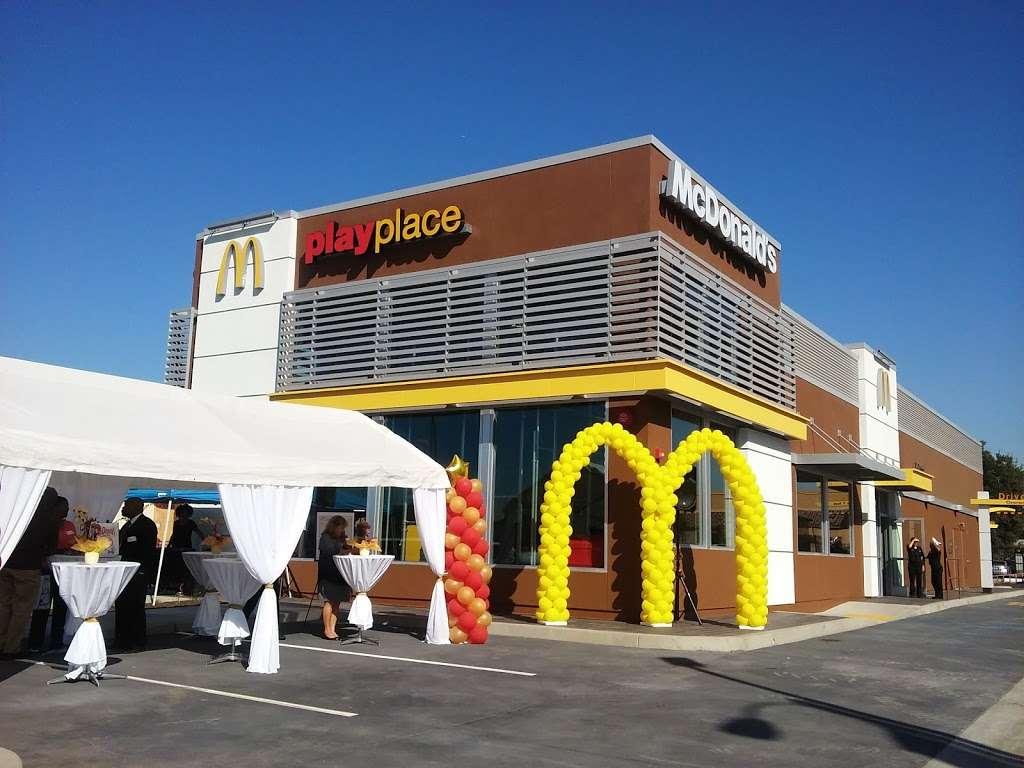 McDonalds - cafe  | Photo 2 of 10 | Address: 1419 W Redondo Beach Blvd, Gardena, CA 90247, USA | Phone: (310) 324-8619