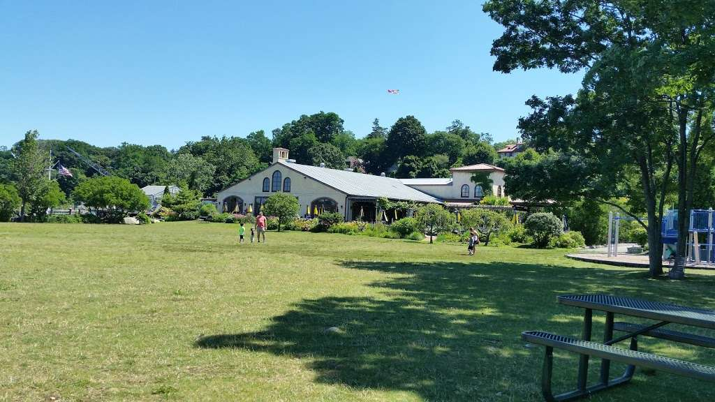 MacEachron Waterfront Park - park  | Photo 1 of 10 | Address: 100 River St, Hastings-On-Hudson, NY 10706, USA