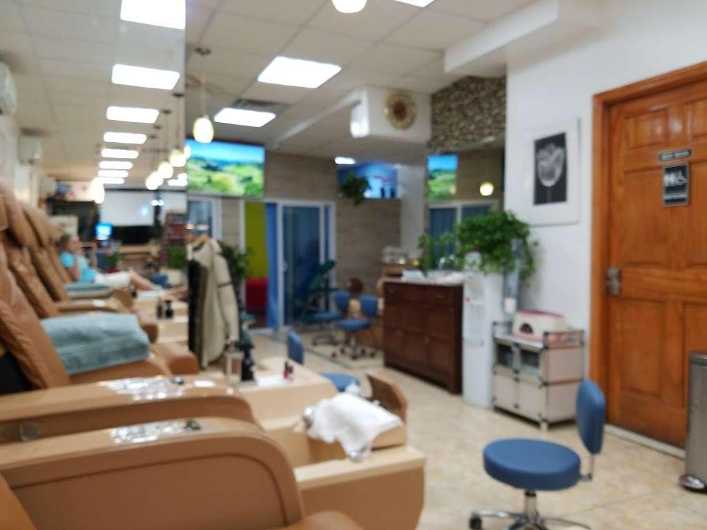 42 Nails & Spa - hair care  | Photo 1 of 10 | Address: 570 9th Ave, New York, NY 10036, USA | Phone: (212) 256-1065