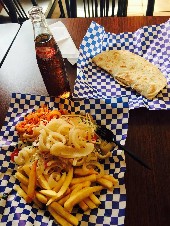 Flautas La Pila - restaurant  | Photo 3 of 8 | Address: 1420 S Federal Blvd, Denver, CO 80219, USA | Phone: (303) 922-0984