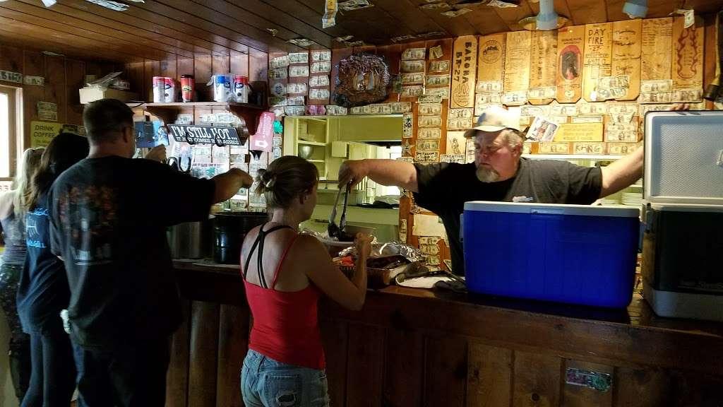 Reyes Creek Bar and Grill - restaurant  | Photo 1 of 10 | Address: 26905 Camp Scheideck Rd, Maricopa, CA 93252, USA | Phone: (805) 232-8007