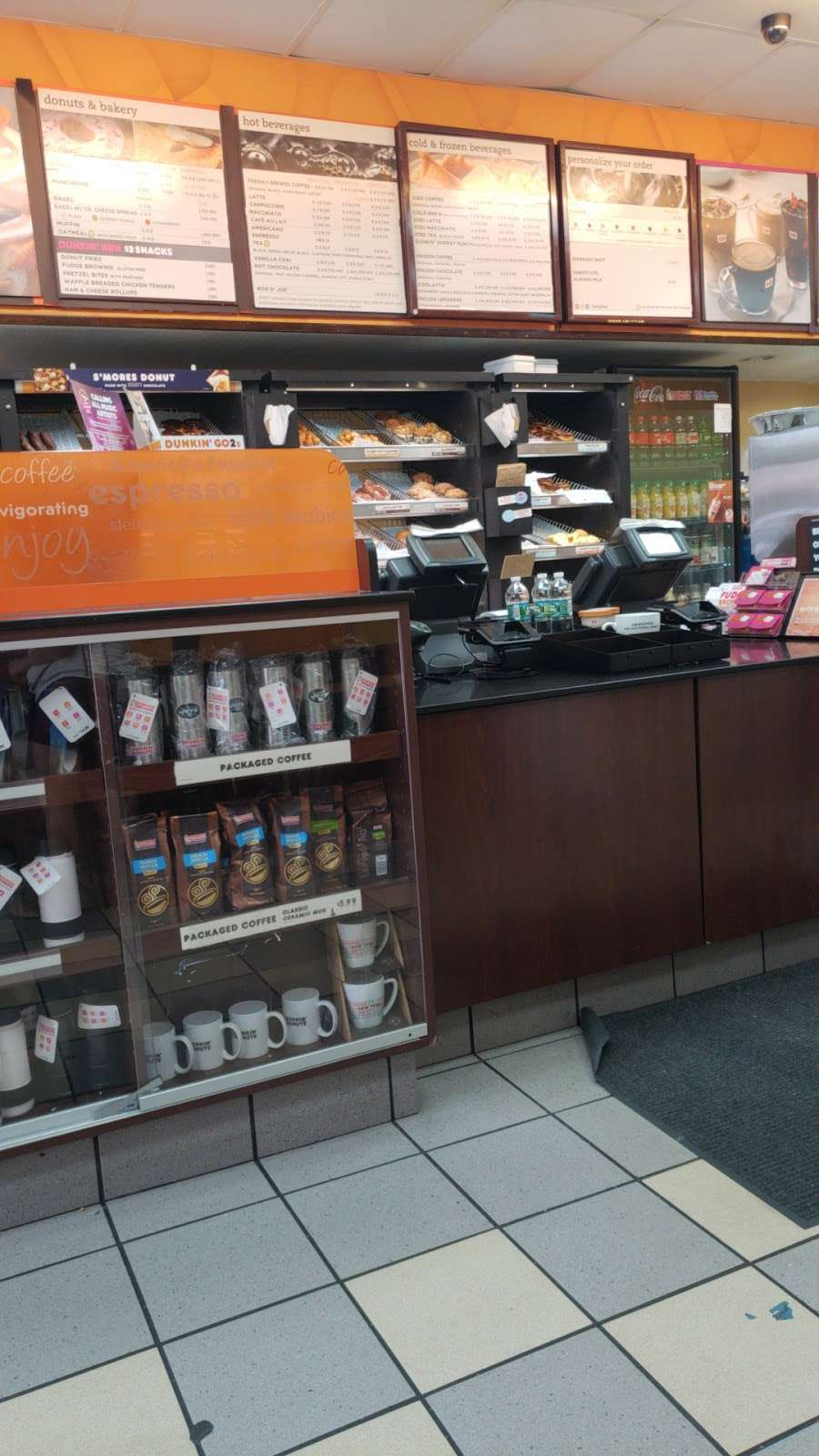 Dunkin Donuts - cafe  | Photo 8 of 10 | Address: 2241 Southern Blvd, Bronx, NY 10458, USA | Phone: (718) 220-4946