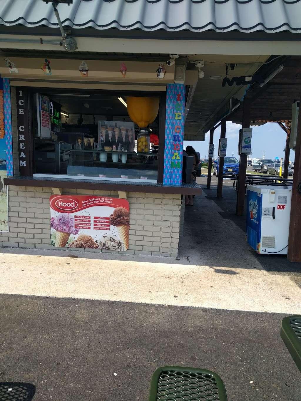Mamalukes Pizza Grill Restaurant 1715 Ocean Ave Belmar