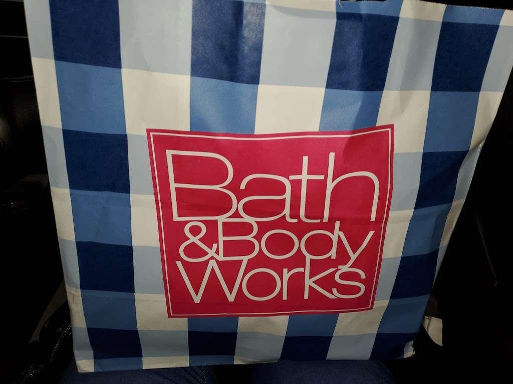Bath & Body Works - clothing store    Photo 4 of 4   Address: 7550A Farm to Market 1960 Rd W, Houston, TX 77070, USA   Phone: (832) 237-0660