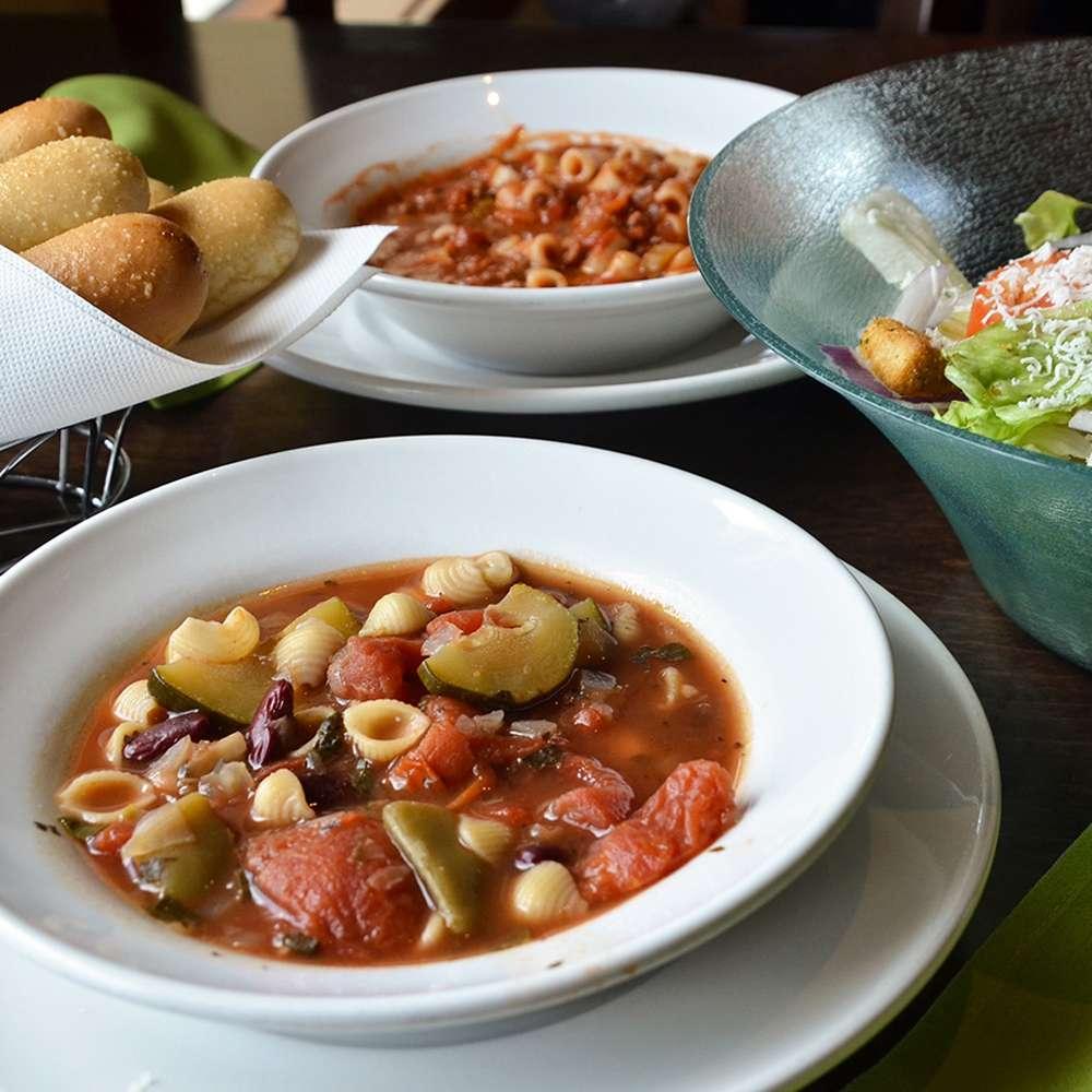 Olive Garden Italian Restaurant - meal takeaway  | Photo 8 of 10 | Address: 505 Gateway Dr, Brooklyn, NY 11239, USA | Phone: (718) 348-1071