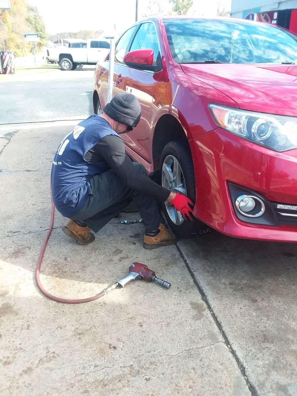 Mikes Tire Center - car repair  | Photo 6 of 10 | Address: 1217 1/2 Lafayette Blvd, Fredericksburg, VA 22401, USA | Phone: (540) 373-0779