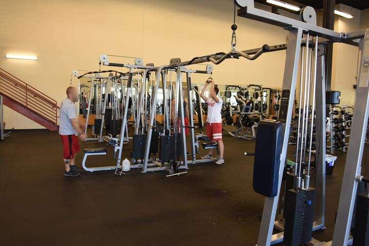 Fitness 1 Gym - gym  | Photo 2 of 10 | Address: 802 E Union Hills Dr, Phoenix, AZ 85024, USA | Phone: (623) 582-0565