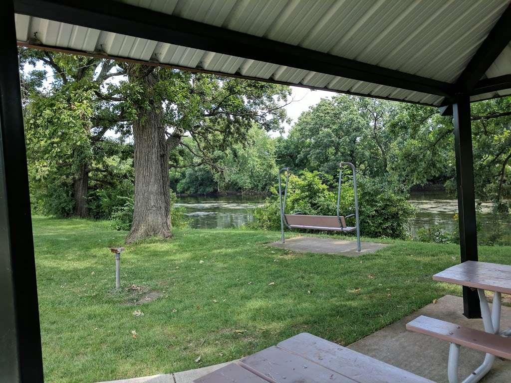 Turtle Hill Park - park  | Photo 4 of 10 | Address: Turtle St, Shorewood, IL 60404, USA