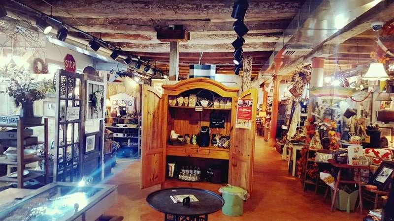 Crickets Antiques & Garden Market - home goods store  | Photo 1 of 10 | Address: 1641 Horseshoe Pike, Glenmoore, PA 19343, USA | Phone: (610) 942-7500
