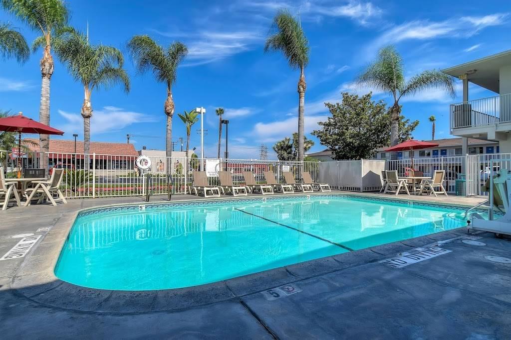 Motel 6 Stanton, CA - lodging  | Photo 3 of 10 | Address: 7450 Katella Ave, Stanton, CA 90680, USA | Phone: (714) 891-0717