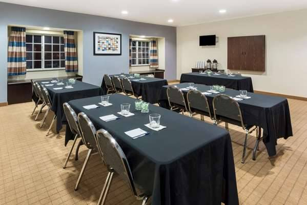 Microtel Inn & Suites by Wyndham Baton Rouge Airport - lodging    Photo 8 of 10   Address: 3444 Harding Blvd, Baton Rouge, LA 70807, USA   Phone: (225) 356-9191