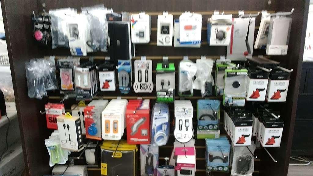 Kcomm | LA Cell Phone 미국(선불) 유심 - store  | Photo 4 of 4 | Address: 3388 W 8th St #104, Los Angeles, CA 90005, USA | Phone: (213) 335-8989