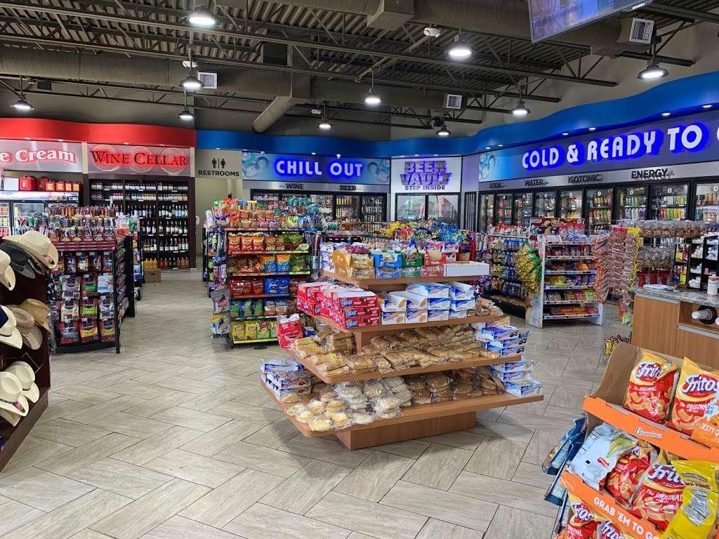 FUEL MAXX #60 - gas station  | Photo 10 of 10 | Address: 45620 US-290 BUS, Prairie View, TX 77446, USA | Phone: (936) 261-7070