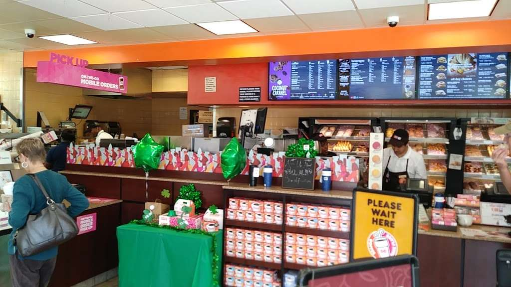 Dunkin - bakery  | Photo 2 of 10 | Address: 95 NW 167th St, North Miami Beach, FL 33169, USA | Phone: (305) 655-0101