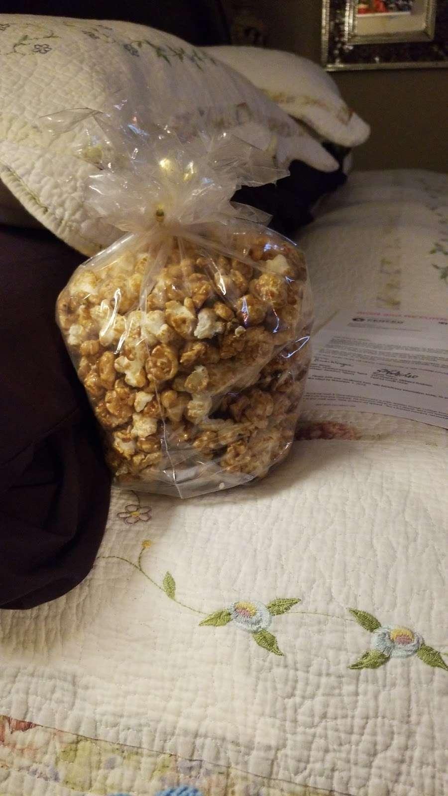 Pops Corn-Free Shipping-100% Guarantee - store  | Photo 9 of 10 | Address: Pembroke Lakes Mall, 11401 Pines Blvd #718, Pembroke Pines, FL 33026, USA | Phone: (954) 349-3499