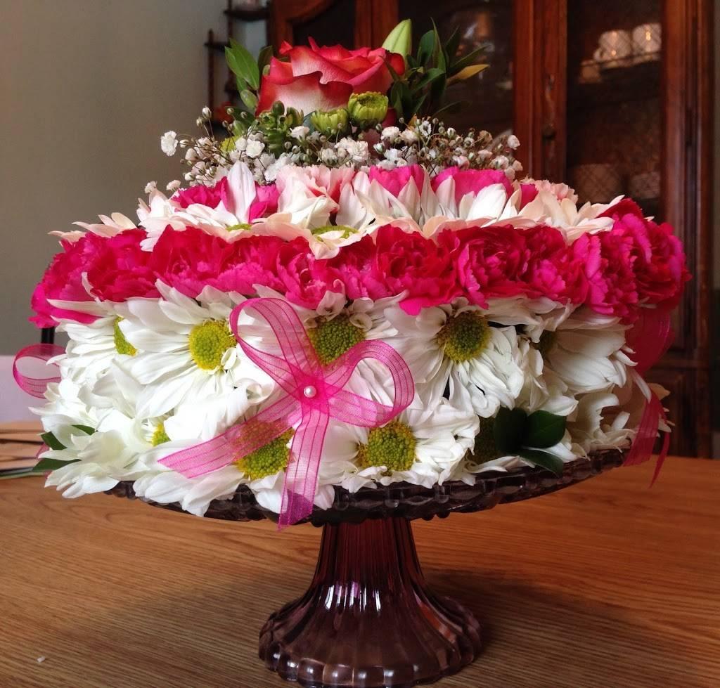 Red Carpet Flower Boutique - florist  | Photo 5 of 8 | Address: 12611 Landmark Ct unit b, Anchorage, AK 99515, USA | Phone: (907) 350-9792