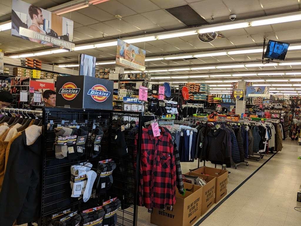 Big 5 Sporting Goods - shoe store  | Photo 4 of 10 | Address: 314 Gellert Blvd, Daly City, CA 94015, USA | Phone: (650) 994-3688