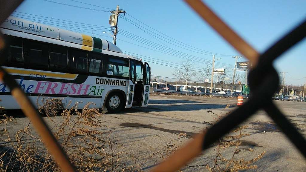 MTA Eastchester Bus Depot - bus station  | Photo 9 of 10 | Address: 3320 Tillotson Ave, Bronx, NY 10475, USA | Phone: (718) 696-3600