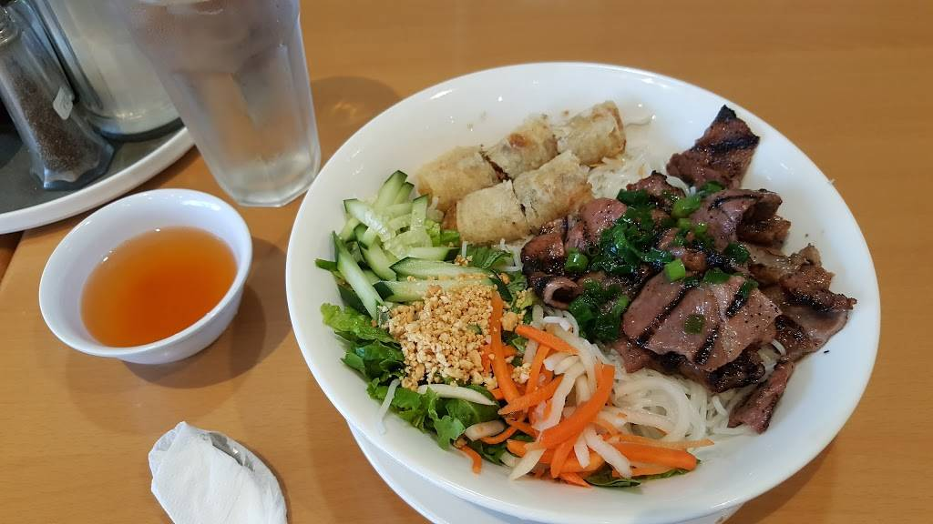 Pho Cuong - restaurant  | Photo 2 of 10 | Address: 11080 S Magnolia St, Garden Grove, CA 92841, USA | Phone: (657) 233-5700