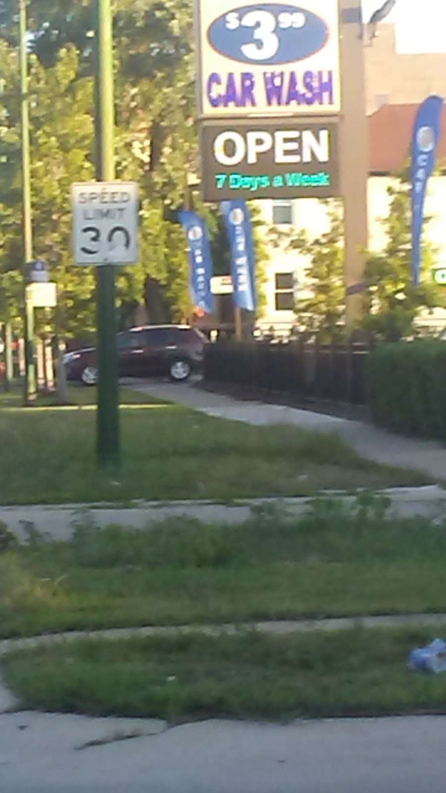 Buddy Bear Car Wash - car wash  | Photo 6 of 10 | Address: 4130 S Western Ave, Chicago, IL 60609, USA | Phone: (773) 847-1221