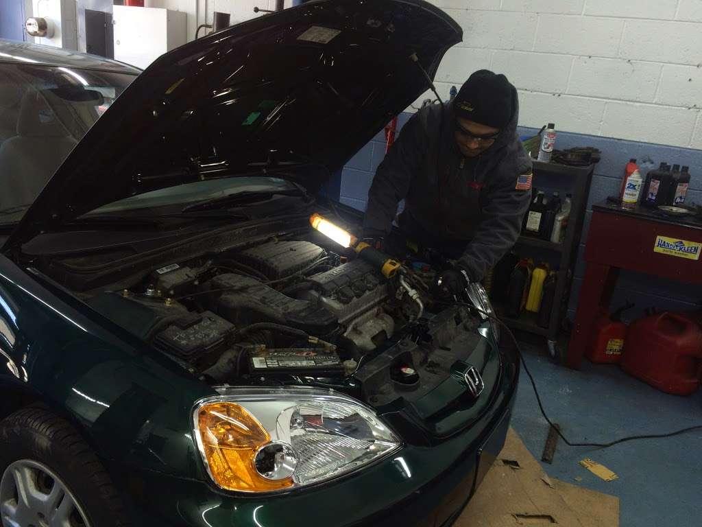 Mannys Auto Care Inc - car repair  | Photo 7 of 10 | Address: 457 Teaneck Rd, Teaneck, NJ 07666, USA | Phone: (201) 488-0811