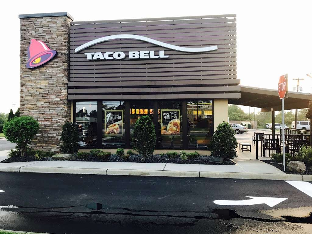 Taco Bell - meal takeaway  | Photo 2 of 10 | Address: 117 S White Horse Pike, Hammonton, NJ 08037, USA | Phone: (609) 878-3482