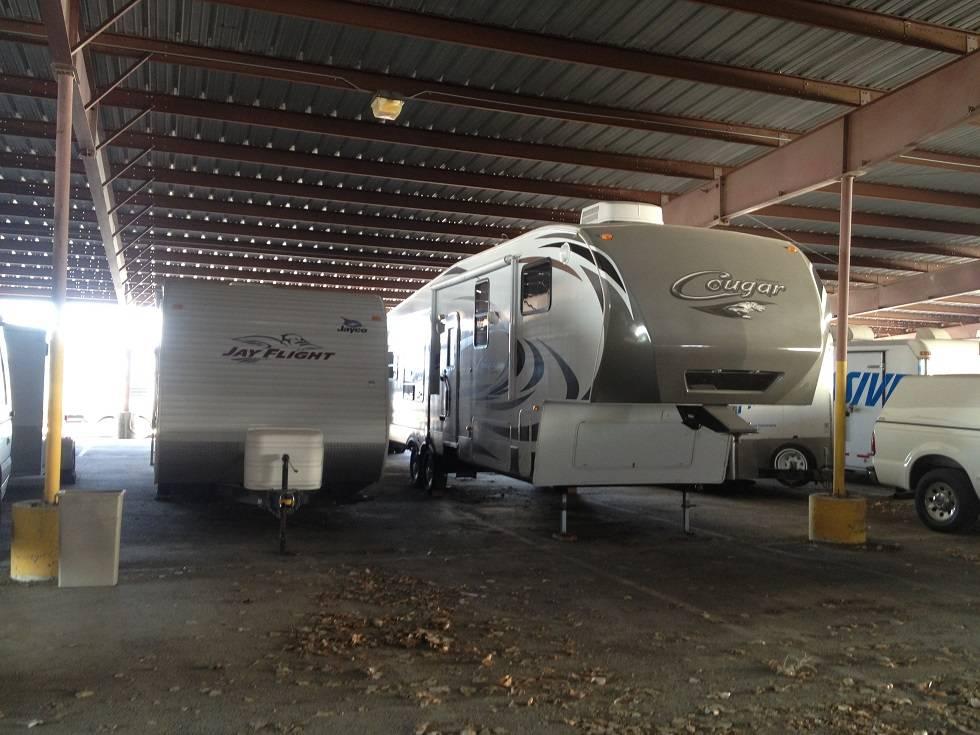 Easy RV Storage and Service - car dealer  | Photo 2 of 9 | Address: 7310 E Ben White Blvd, Austin, TX 78741, USA | Phone: (512) 924-8941