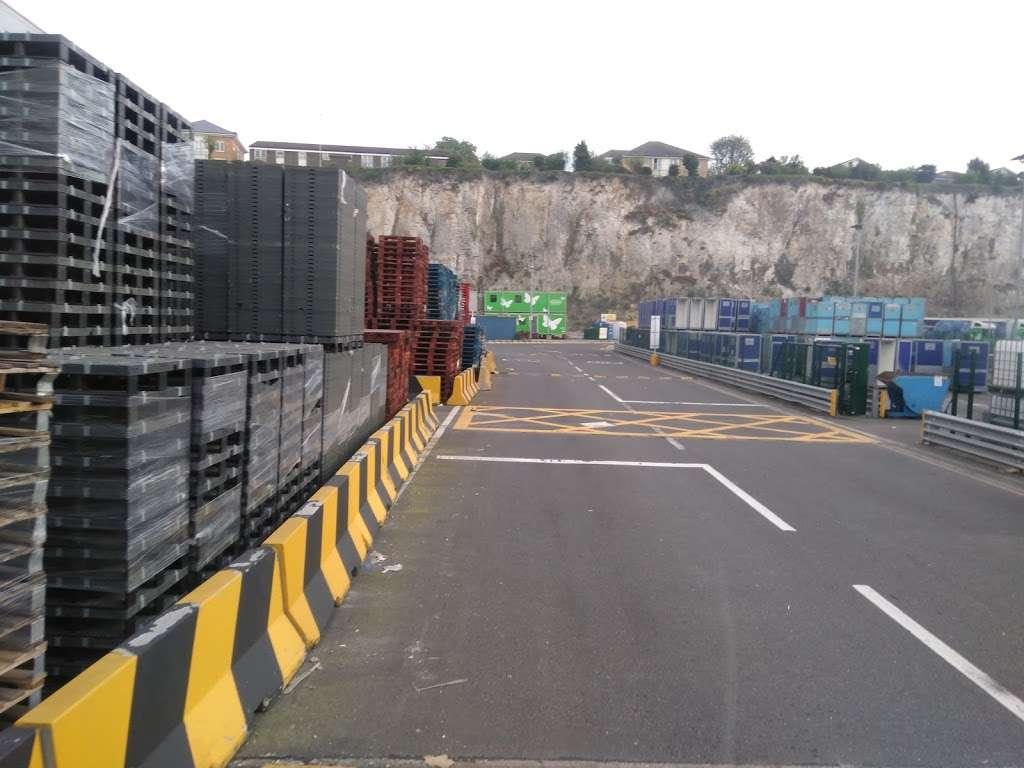 Lidl Northfleet Regional Distribution Centre (RDC) - storage  | Photo 7 of 10 | Address: Crete Hall Rd, Northfleet, Gravesend DA11 9BU, UK | Phone: 0800 977 7766