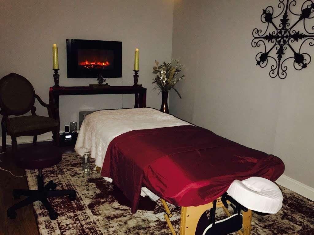 Therapeutic Massage & Wellness - spa    Photo 2 of 10   Address: 40 Lake Ave Ext Suite B, Danbury, CT 06811, USA   Phone: (203) 826-3355