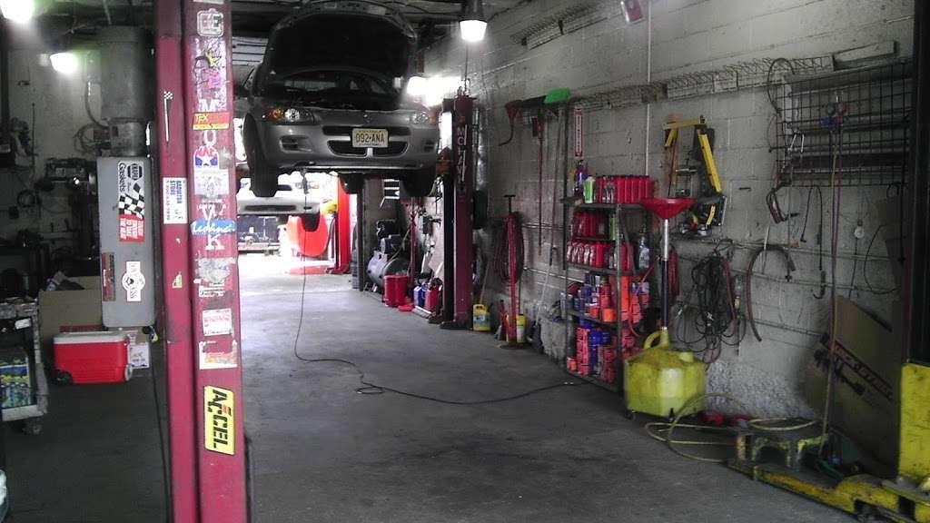 Mex 1 Boys auto repair - car repair  | Photo 9 of 10 | Address: 318 Manhattan Ave, Jersey City, NJ 07307, USA | Phone: (201) 420-1154