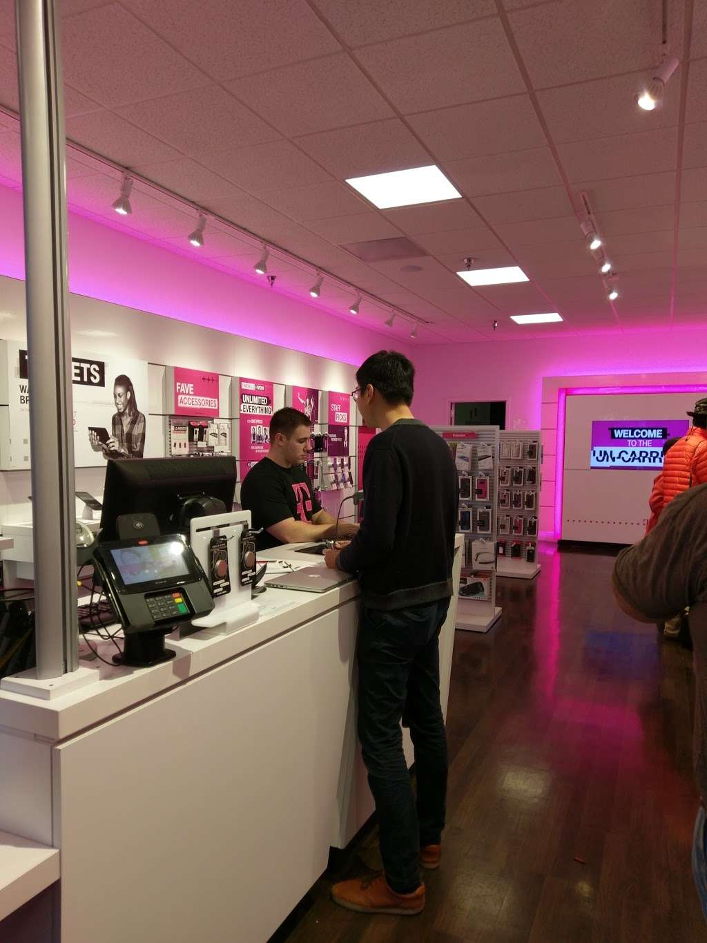 T-Mobile - electronics store  | Photo 2 of 5 | Address: 1370 El Paseo de Saratoga, San Jose, CA 95130, USA | Phone: (408) 379-1359
