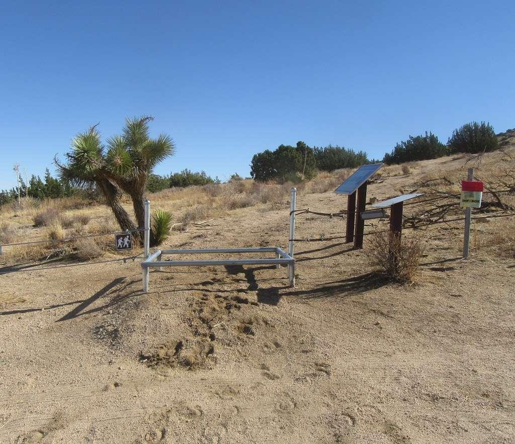 Bonita Vista Hiking Trail - park  | Photo 9 of 10 | Address: Bonita Vista St, Apple Valley, CA 92308, USA | Phone: (760) 252-6000