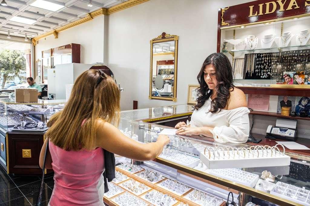 Lidyas Jewelry - jewelry store  | Photo 4 of 10 | Address: 515 River Rd, Edgewater, NJ 07020, USA | Phone: (201) 945-8985