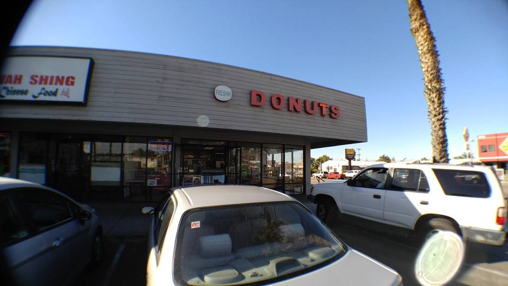 Fresh Donuts - bakery  | Photo 4 of 6 | Address: 2295 Palm Ave A, San Diego, CA 92154, USA | Phone: (619) 423-7688