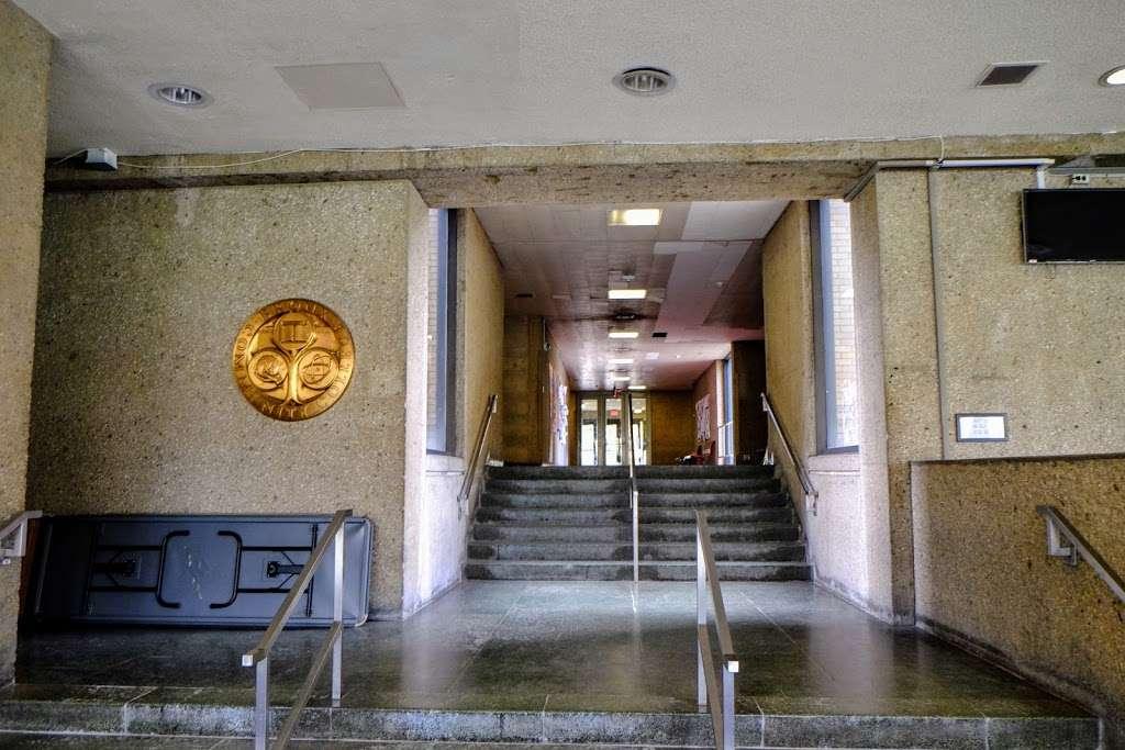 Meister Hall - school  | Photo 6 of 10 | Address: 161 W 180th St, Bronx, NY 10453, USA