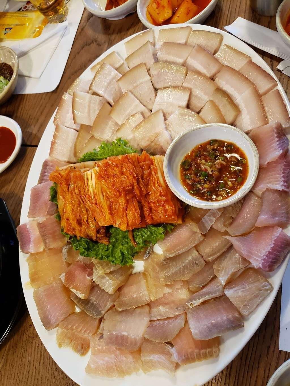 Heungbune 흥부네 - restaurant  | Photo 2 of 6 | Address: 149-22 41st Ave, Flushing, NY 11355, USA | Phone: (917) 563-7015