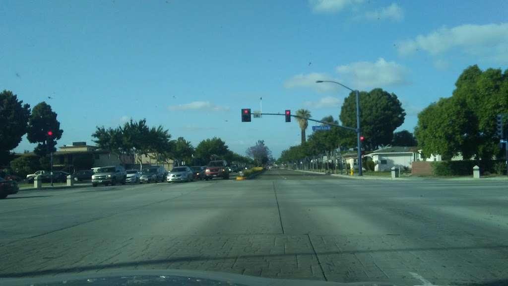 Shree Swami Narayan Temple - hindu temple  | Photo 5 of 8 | Address: 12147 Lakewood Blvd, Downey, CA 90242, USA | Phone: (562) 622-0554