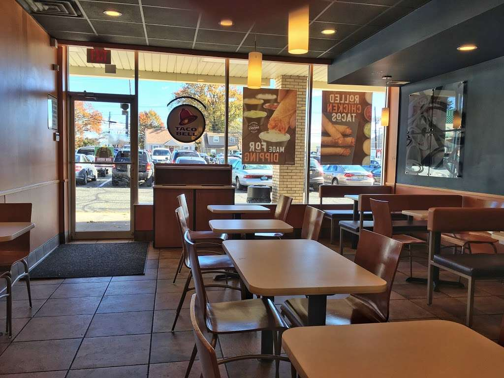 Taco Bell - meal takeaway  | Photo 2 of 10 | Address: 15 Schuyler Ave, North Arlington, NJ 07031, USA | Phone: (201) 772-5632