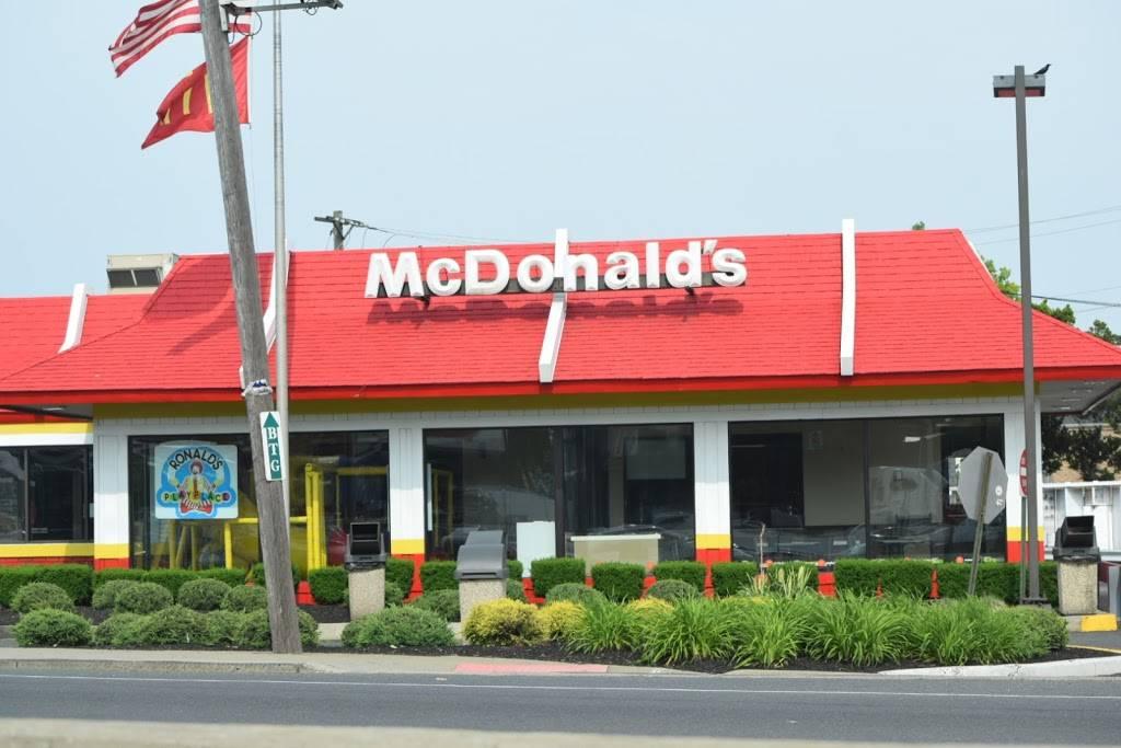 McDonalds - cafe  | Photo 1 of 9 | Address: 420-34 Rte 1 N, Elizabeth, NJ 07208, USA | Phone: (908) 351-4548